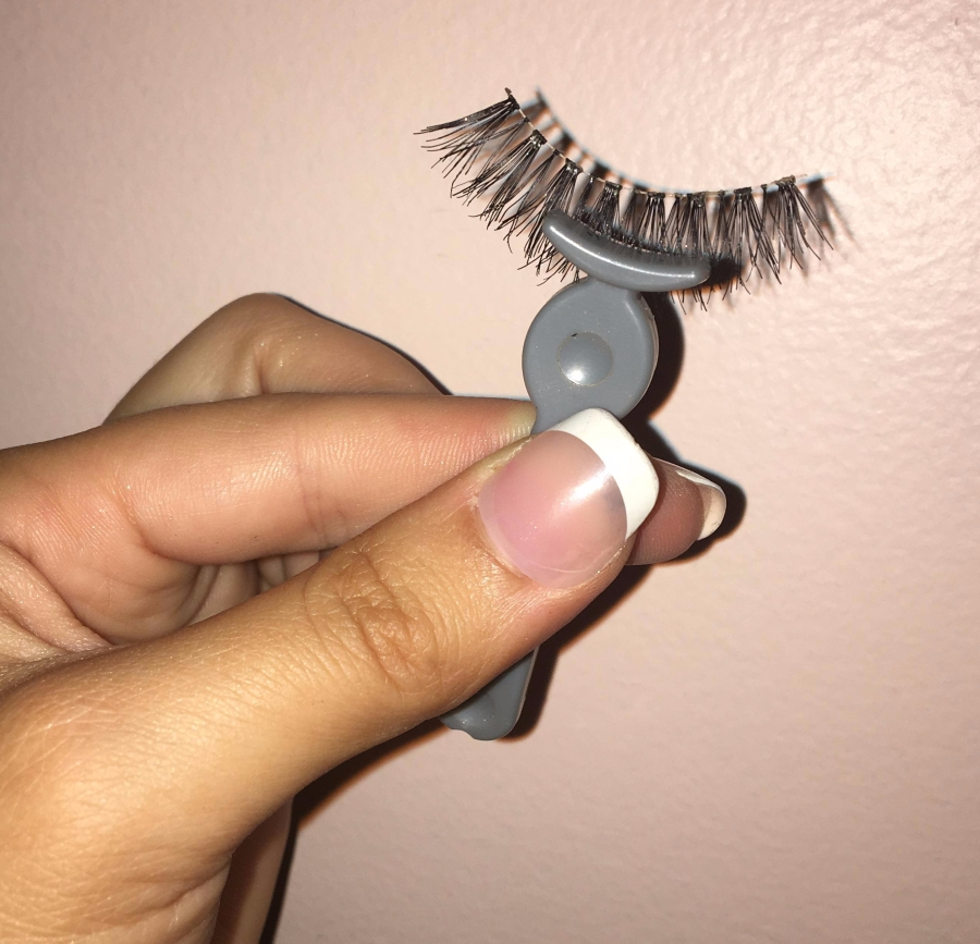 Daily Dose of First Aid: Fake Lash ApplicationTips